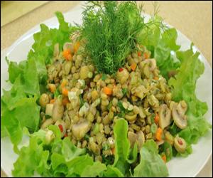 Mantarlı Yeşil Merçimek Salatası